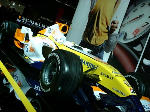 Tms2007renault_r27_18